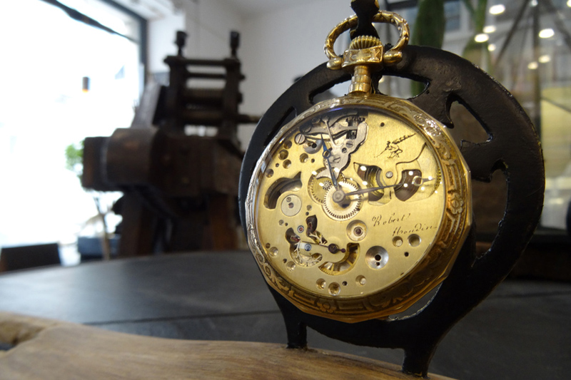 Marguerite-Sitthy-montre-a-gousset-robert-houdin